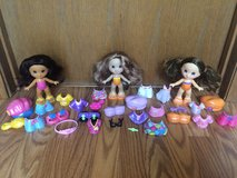30 Piece Fisher Price Snap N Style Dolls & Accessories in Bartlett, Illinois