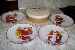 NWB Southern Living 4 Santa plates in Spring, Texas