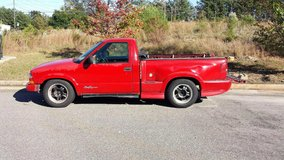 Chevy s10 red (not running) in Macon, Georgia