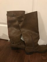Brown boots in Westmont, Illinois