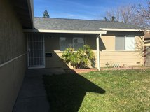 Great home/location: close to schools, park & shopping. Large front yard w/3 bedrooms/2 full bat... in Fairfield, California