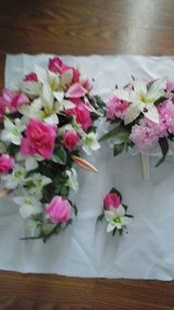 Wedding Bridal Bouquet /Brides  Maid Bouquet  & Grooms Boutonniere in Batavia, Illinois