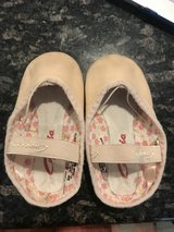 Girls ballet shoes 9.5 in Naperville, Illinois