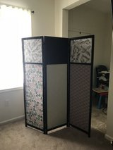 Room screen divider in Fort Drum, New York