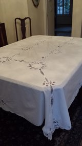 Tablecoth with 12 napkins in Beaufort, South Carolina