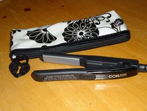 conair mini flat iron/case in Lockport, Illinois