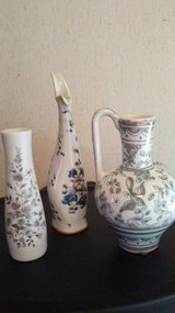 Small Vintage Vases in Fort Campbell, Kentucky