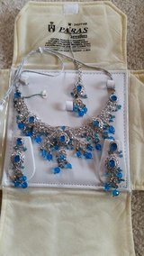 Necklace Earrings and Maang tikka set New in Wheaton, Illinois
