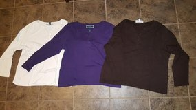 3 long sleeve XL women's shirts in Travis AFB, California