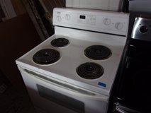 GE Electric Stove in Fort Riley, Kansas