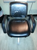 Salon Shampoo chair in Fort Knox, Kentucky