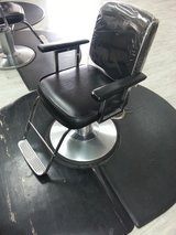 Hydraulic Salon Chair in Fort Knox, Kentucky