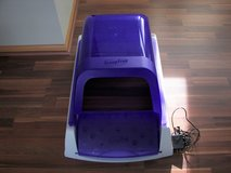 PetSafe Scoop Free Self Cleaning Litter Box - Used Once- Like New in Joliet, Illinois