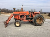 Allis Chalmer 6060 65hp  Diesel Tractor With Loader in Fort Campbell, Kentucky