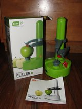 """DASH GO"" RAPID APPLE PEELER in Camp Lejeune, North Carolina"