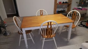 Kitchen Table w/ 4 chairs in The Woodlands, Texas