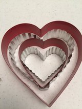*NEW* Metal Heart Shape Cookie Cutters Set of 4 in Eglin AFB, Florida