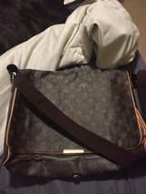 Louis v. laptop shoulder bag in Fort Leonard Wood, Missouri