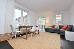 Exclusive apartment with light-flooded bay window and underground car parking in Stuttgart West ... in Stuttgart, GE