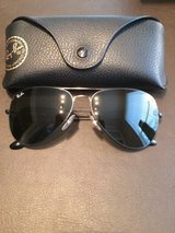 "RAY-BAN ""AVIATOR"" SUN GLASSES. EXCELLENT CONDITION in CyFair, Texas"
