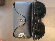 "RAY-BAN ""WAYFARER"" SUN GLASSES. EXCELLENT CONDITION in CyFair, Texas"