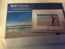 7 inch digital photo frame. New, unused. in Lakenheath, UK