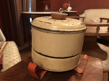 Antique popcorn maker in Pleasant View, Tennessee