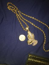 gold chains in Los Angeles, California