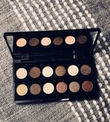 Sleek Mini Shadow Palette in Fort Leonard Wood, Missouri