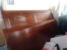 queen size bed frame in Wheaton, Illinois