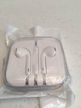 *NEW* Apple headset buds in Eglin AFB, Florida