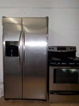 FRIGIDAIRE SIDE BY SIDE REFRIGERATOR in Lumberton, North Carolina