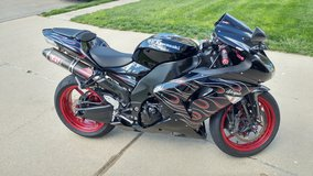 2007 Zx10r in Fort Leonard Wood, Missouri