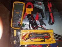 Fluke 1587 with accessories in Warner Robins, Georgia