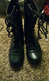Size 7 Non-Slip Tall Work Boots in Hill AFB, UT