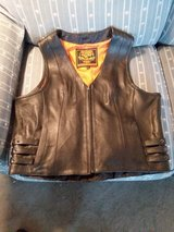 Ladies Milwaukee Vest 2X in Warner Robins, Georgia