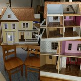 Doll house w/ table and chairs in Joliet, Illinois