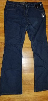 Women's size 14 jeans in Fort Leonard Wood, Missouri