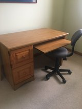 Reduced price - Student Desk and chair in Oswego, Illinois