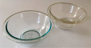 Pyrex glass 1 Qt mixing bowls #322 in Fort Leonard Wood, Missouri