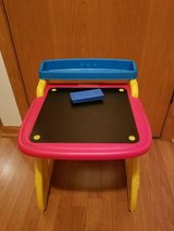 2 in 1 Crayola easel and chalk board folding desk in Joliet, Illinois