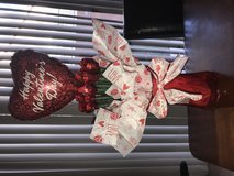 Valentine's Day Hershey's Kisses Roses Arrangement w/ balloon in Nellis AFB, Nevada
