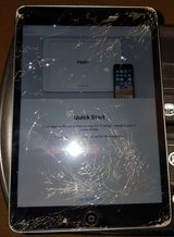 Ipad Mini 16Gb w/Cracked Screen FOR Sale in Ramstein, Germany