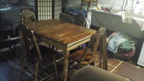 very old kitchen table and 4 chairs in Tinley Park, Illinois