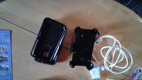 2 Samsung Galaxy S5 carrying cases and like new charger in Travis AFB, California