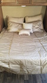 queen size bedding in Vista, California