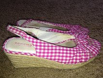Girls pink wedges size 3 in Okinawa, Japan