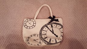 Clocks Insulated Lunch Bag Tote in Bartlett, Illinois