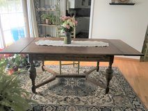 Beautiful Antique Oak Table in Chicago, Illinois