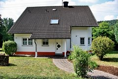 4bed / 2bath stand alone house with large patio & lawn in Spangdahlem, Germany